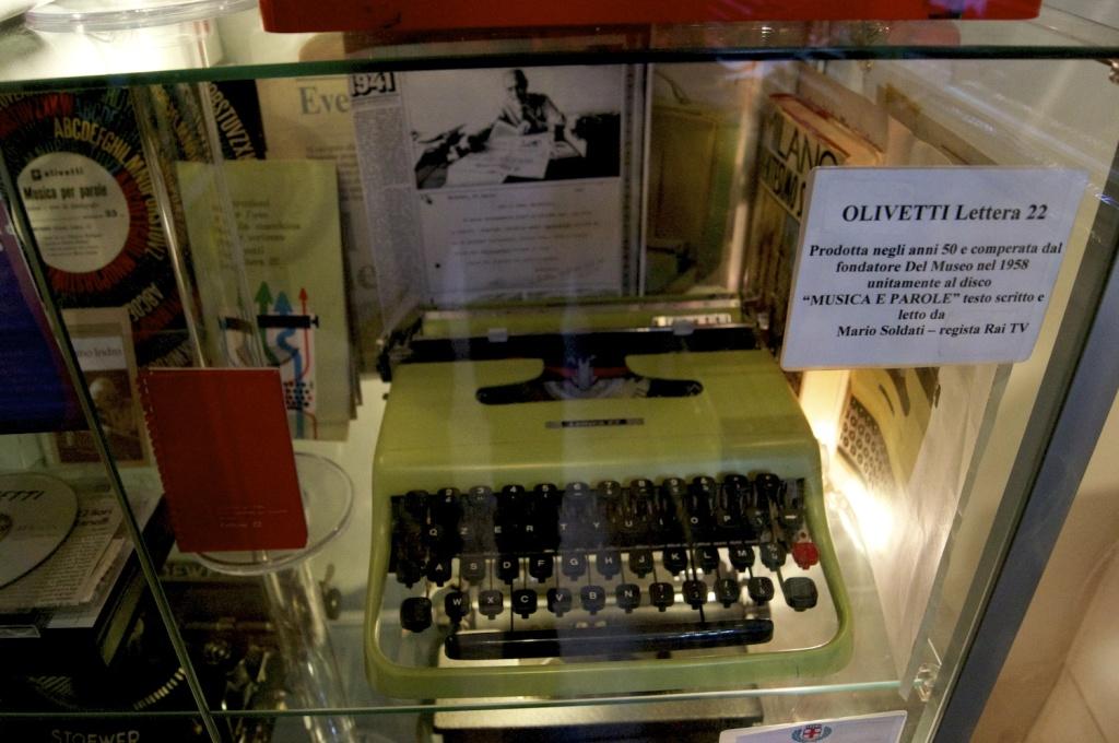 olivetti lettera 22 del museo della macchina da scrivere