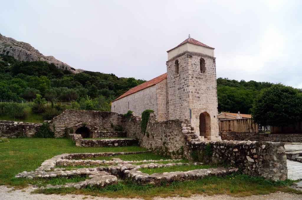 krk-croazia-chiesa-santa-lucia-baska